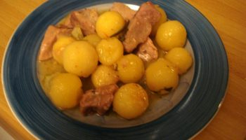 Bocconcini di vitello e patate novelle