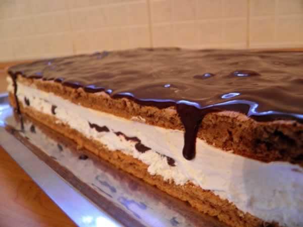 kinder-pingui-cake-finished