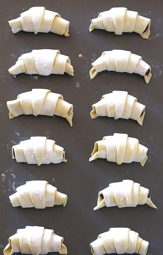 3-Ingredient-Nutella-Croissants-112