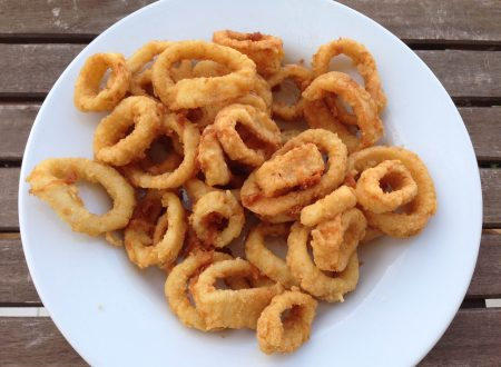 Anelli di totano speziati fritti e croccanti