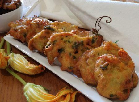 Frittelle di fiori di zucca (ricetta facile)- Pumpkin flower fritters (easy recipe) –