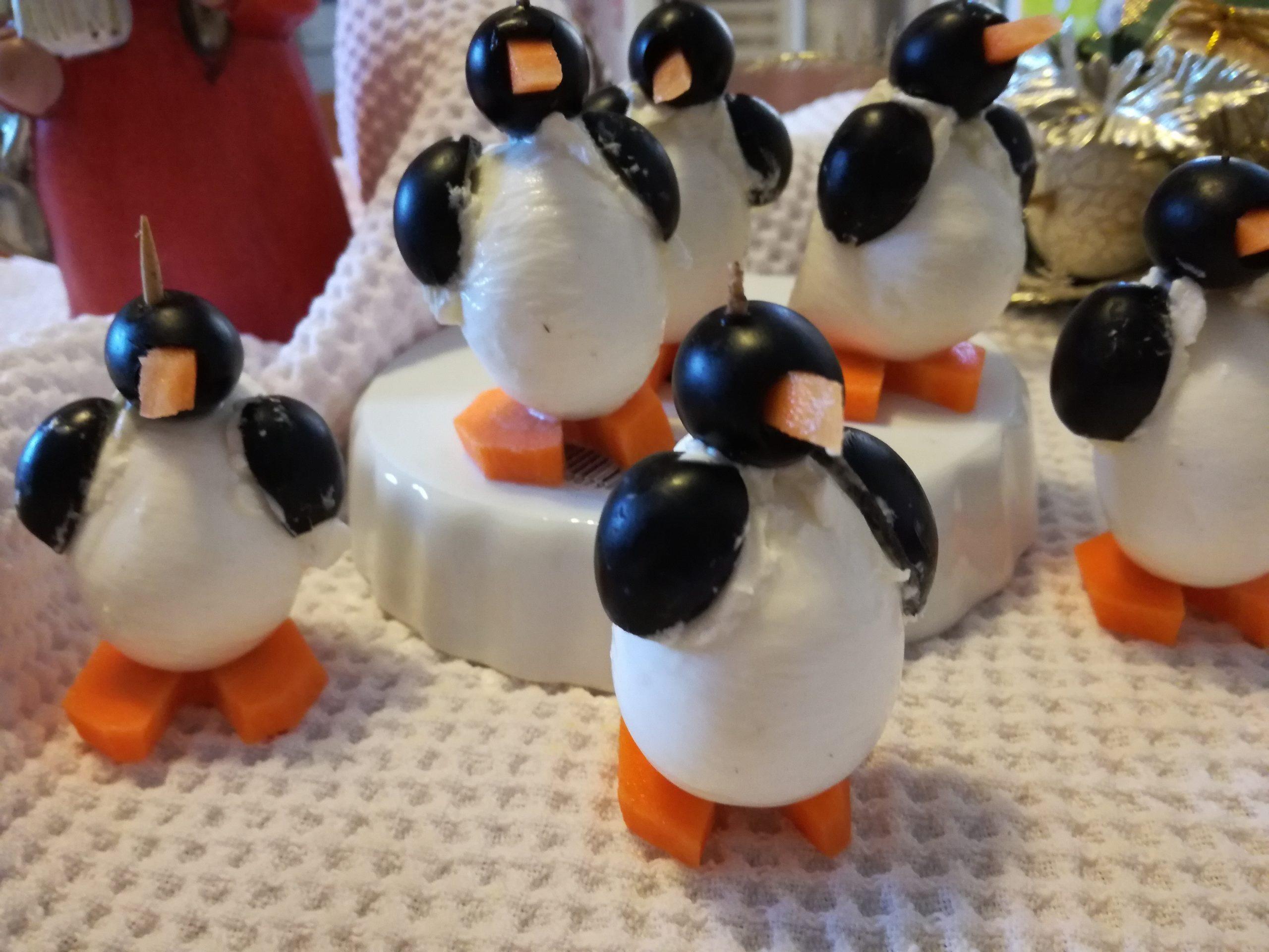 Antipasti Di Natale Pinguini Con Olive E Formaggio.Pinguini Mozzarella E Olive Curmifood