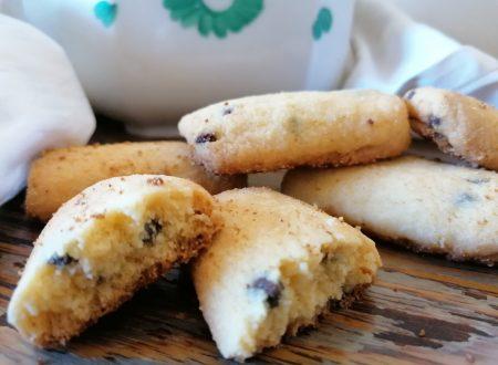 Biscotti di mais con gocce di cioccolato