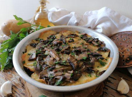 Parmigiana patate e funghi senza besciamella