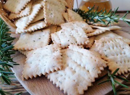 Cracker al rosmarino senza lievito