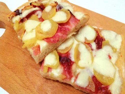 Pizza con patate e prosciutto cotto morbida e saporita