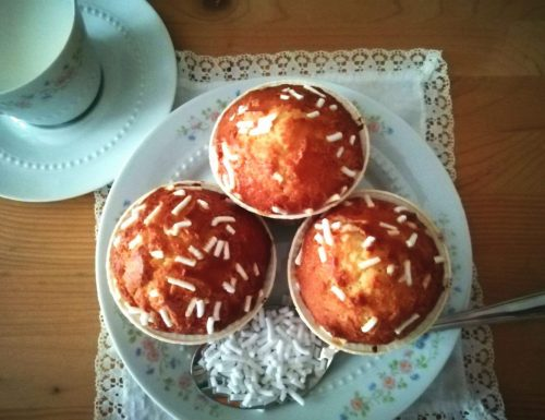 Muffin con granella di zucchero alla vaniglia