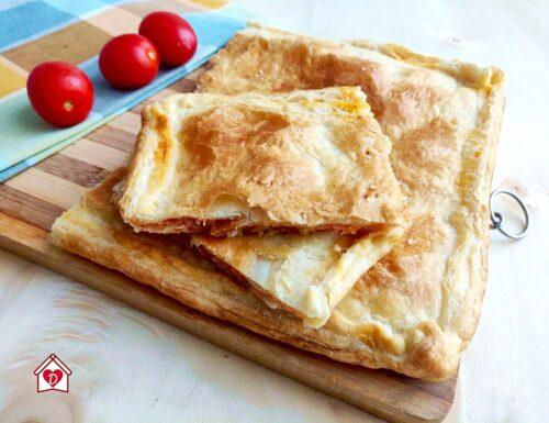 Pizza parigina veloce di pasta sfoglia