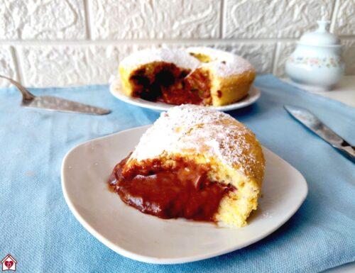 Torta morbida con ripieno cremoso