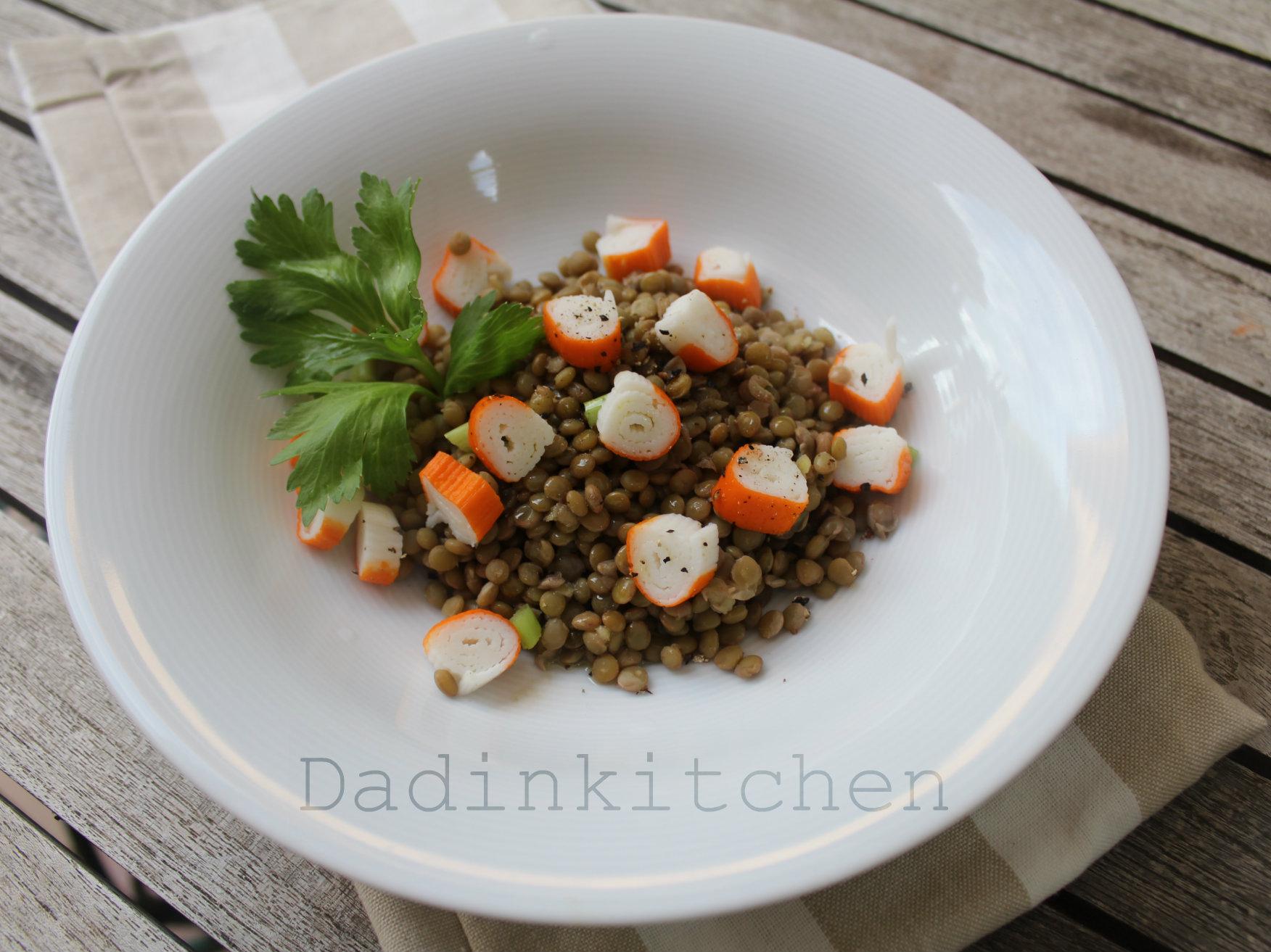 Insalata di lenticchie e polpa di pesce al sapore di granchio