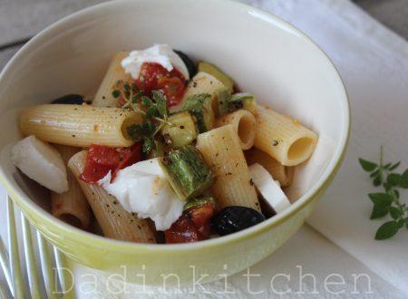 Rigatoni con zucchine e mozzarella