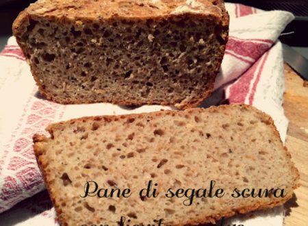 Pane di segale scura con lievito madre
