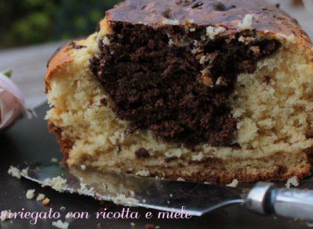 Cake variegato ricotta e miele