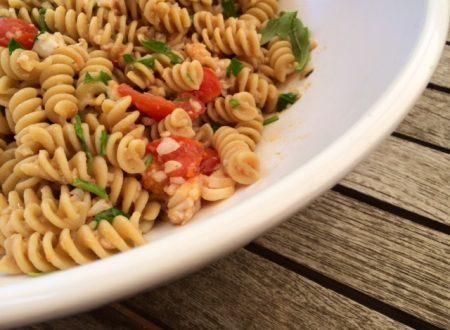 Pasta integrale con merluzzo pomodorini e rucola