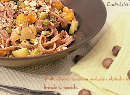Fettuccine al farro con verdurine ubriache e briciole di nocciola romana