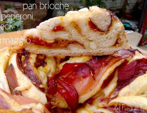 Pan brioche peperoni, speck e formaggio