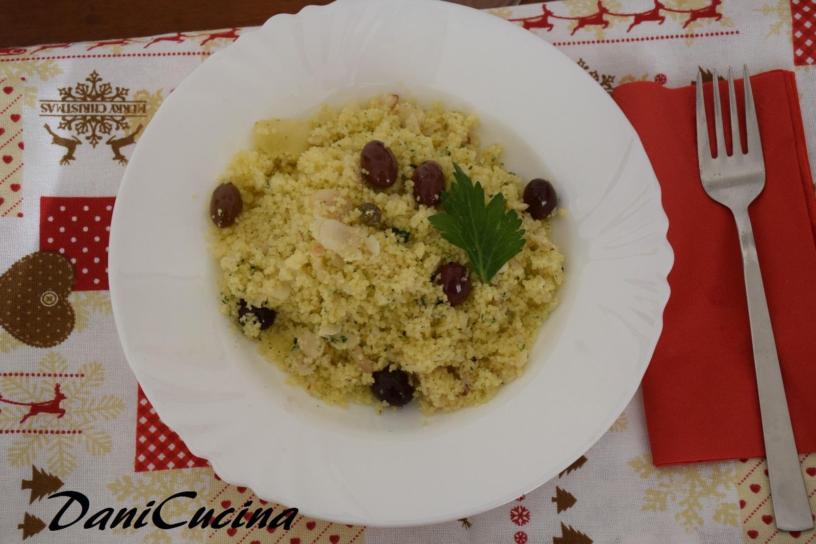 Cous cous con filetti di merluzzo, olive e capperi