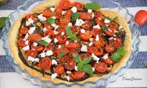Torta salata con melanzane grigliate pomodorini e feta