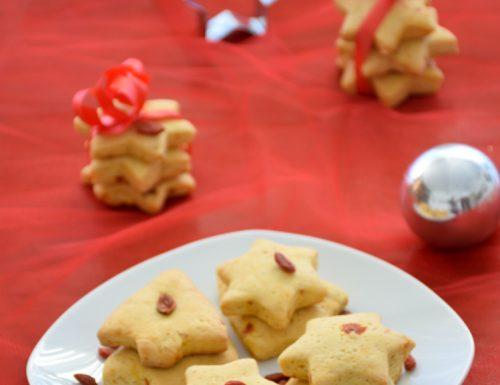 Biscotti di Natale vegani alle bacche di goji
