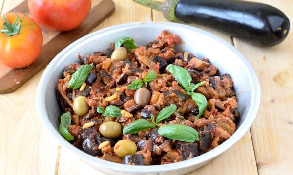 Caponata siciliana: ricetta originale da fare a casa con melanzane