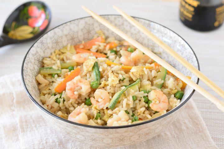 Riso con verdure e gamberetti alla cinese