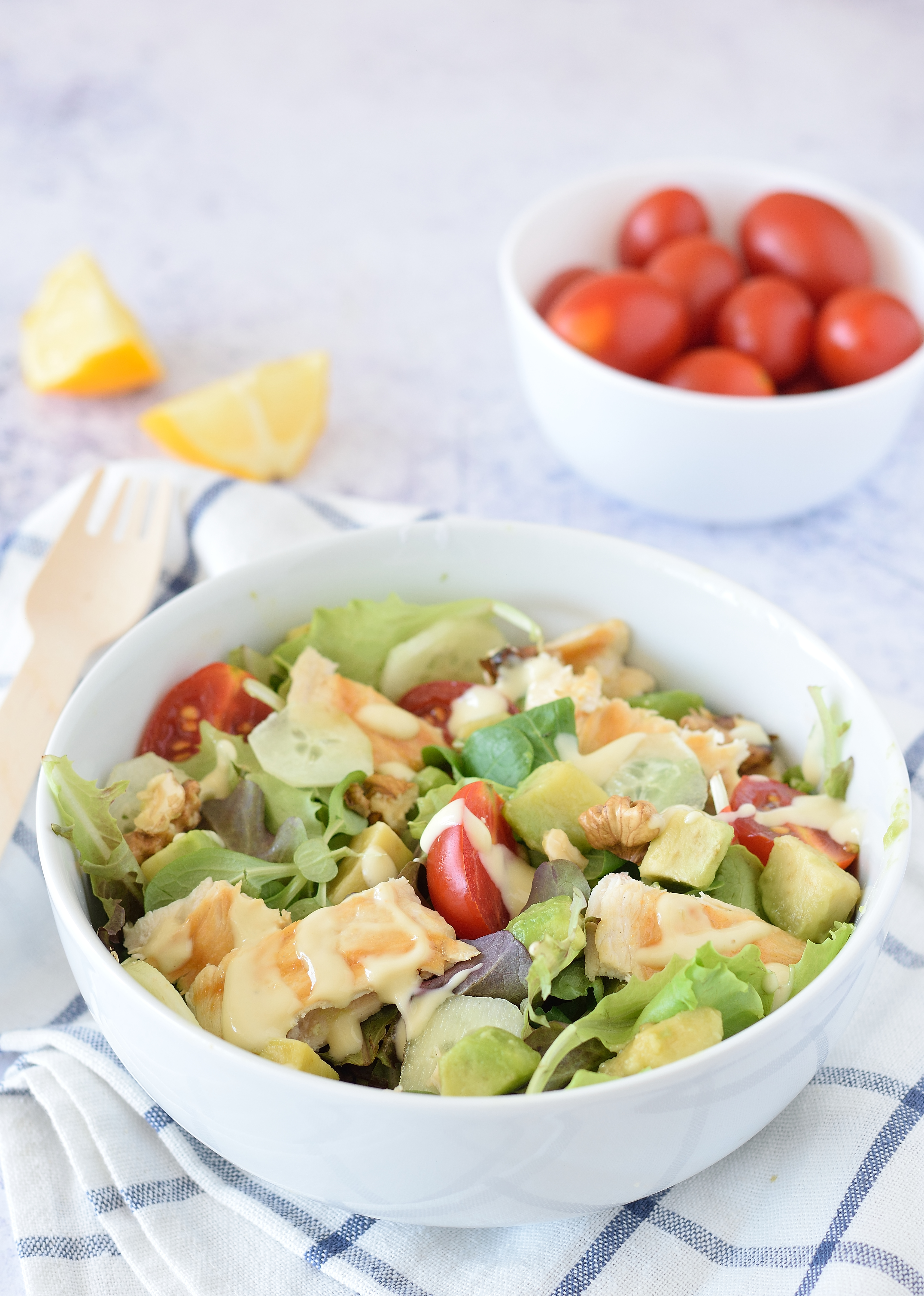 Insalata di pollo e avocado