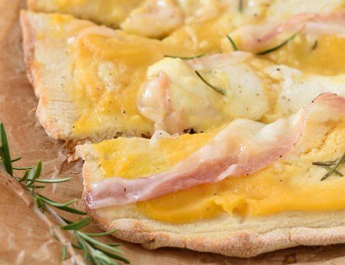 Pizza alla crema di zucca, lardo e rosmarino