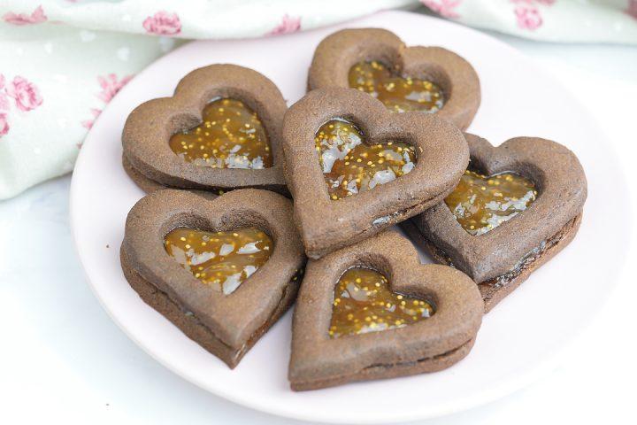 Biscotti di San Valentino al cacao e confettura di Fichi