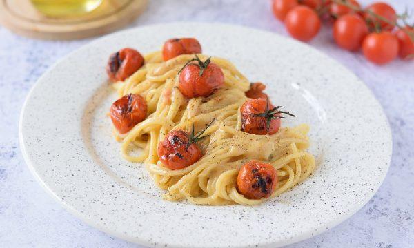 Pasta al Parmigiano e Pomodorini Grigliati cremosa