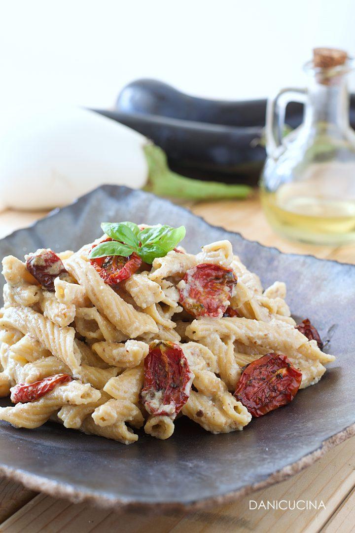 Pasta di Ceci con Pesto di Melanzane e Pomodorini Confit