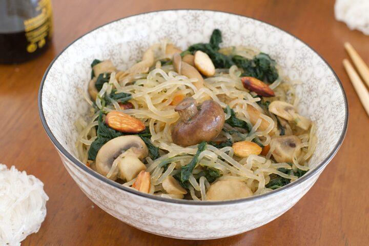 Shirataki con Funghi e Mandorle