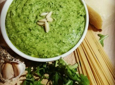 Pesto di rucola, ricetta facile veloce e gustosa