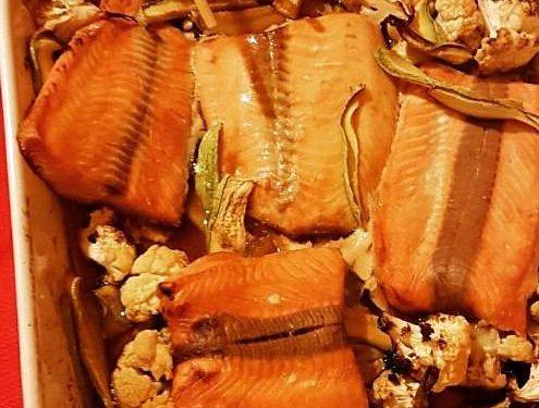 Salmone e verdure in salsa teriyaki