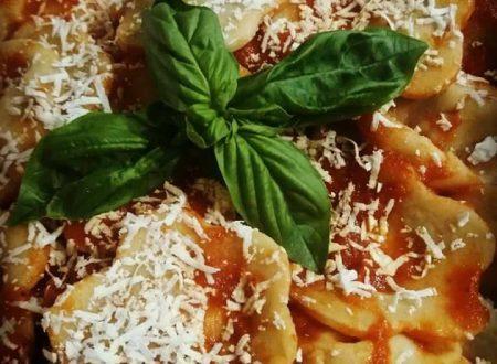Ravioli alla norma: rivisitazione della ricetta siciliana