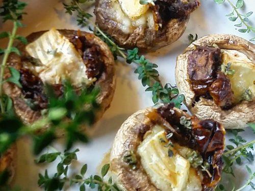 Champignon ripieni di brie, erbette e pomodori secchi