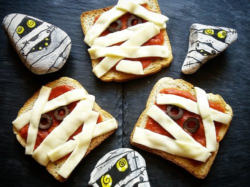 Mummie di pancarrè, toast divertenti per Halloween