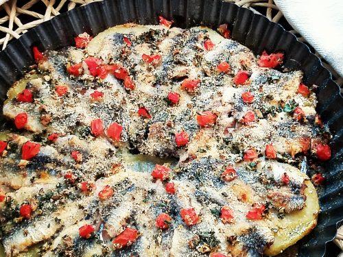 Tortino di sardine con patate e pomodori
