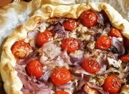 Torta salata al tonno e cipolle rosse