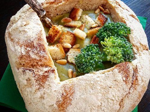 Vellutata di broccoli e patate in crosta di civraxu