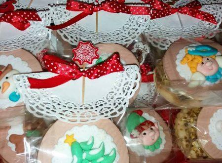 Piccoli sacchettini biscottosi natalizi
