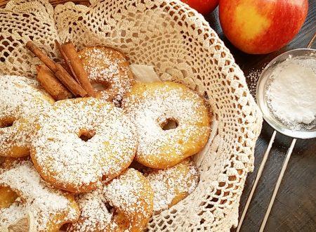 Le dolci frittelle di mele della nonna