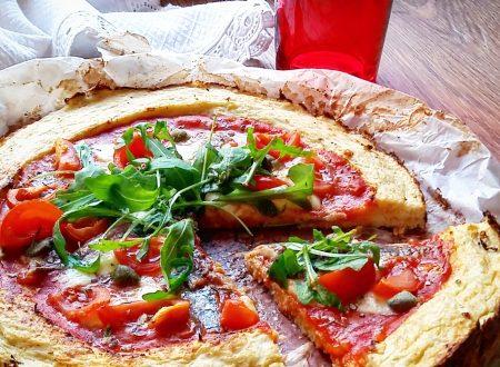 Pizza di cavolfiore, leggera e saporita
