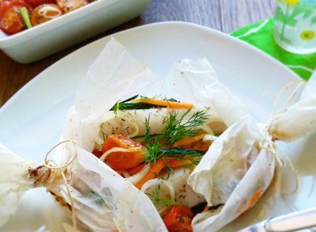 Filetti di merluzzo al cartoccio con verdure croccanti
