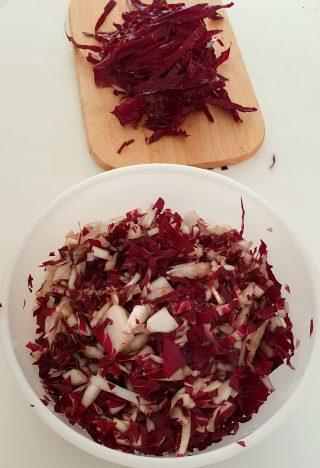 ingredienti per la pasta al radicchio