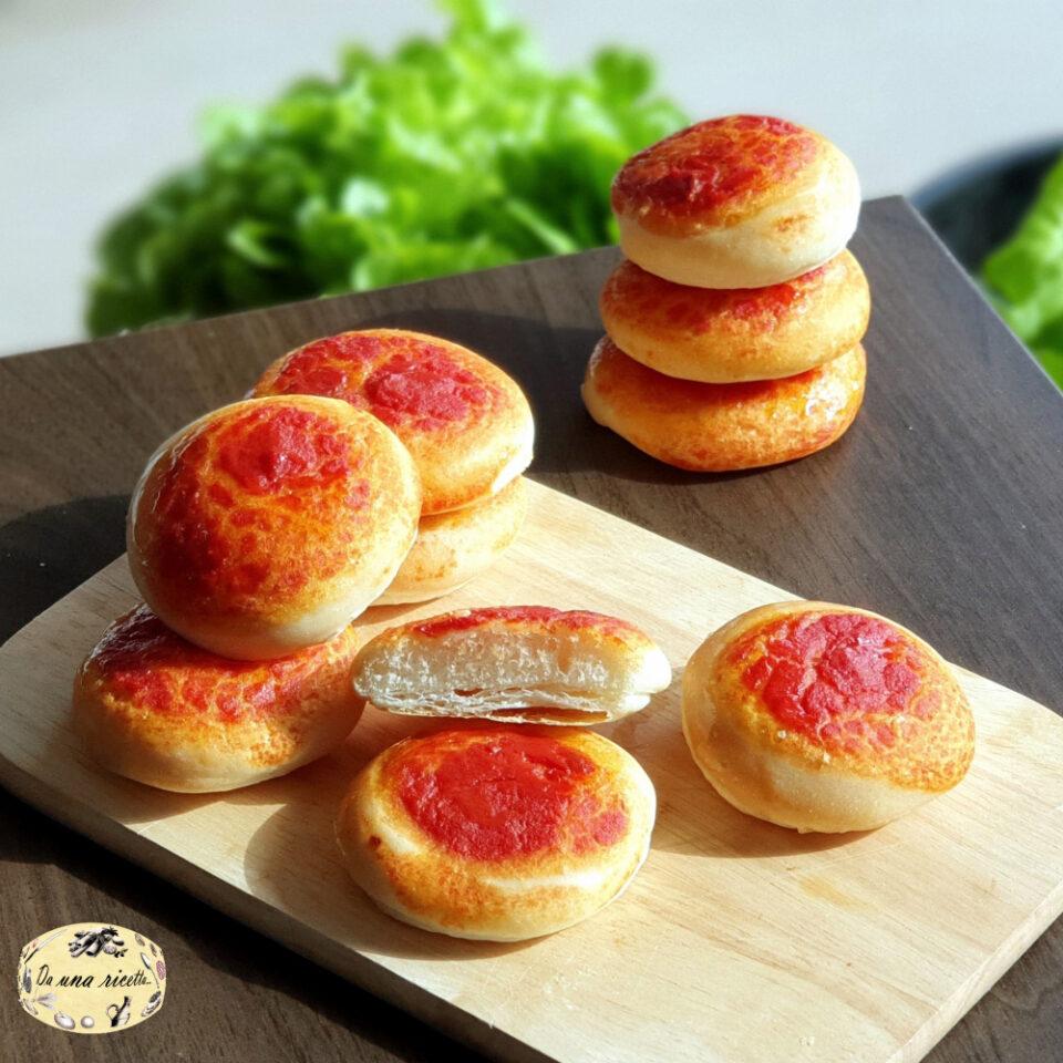 pizzette rosse semi-sfogliate