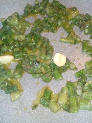 Strascinate con asparagi e funghi