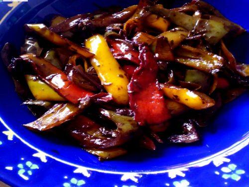 Peperoni con capperi e aceto balsamico