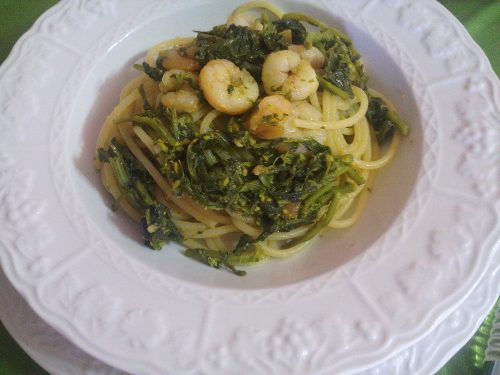 Spaghetti broccoli e gamberetti