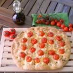 focacci con pomodorini e origano