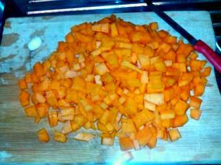 risotto-con-zucca-funghi-e-gamberetti-zucca-cubetti